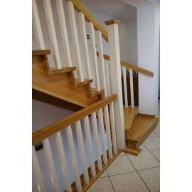 Schody Drewniane Samonośne na Konstrukcji Drewnianej